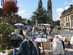 picture of brocante, vide-greniers